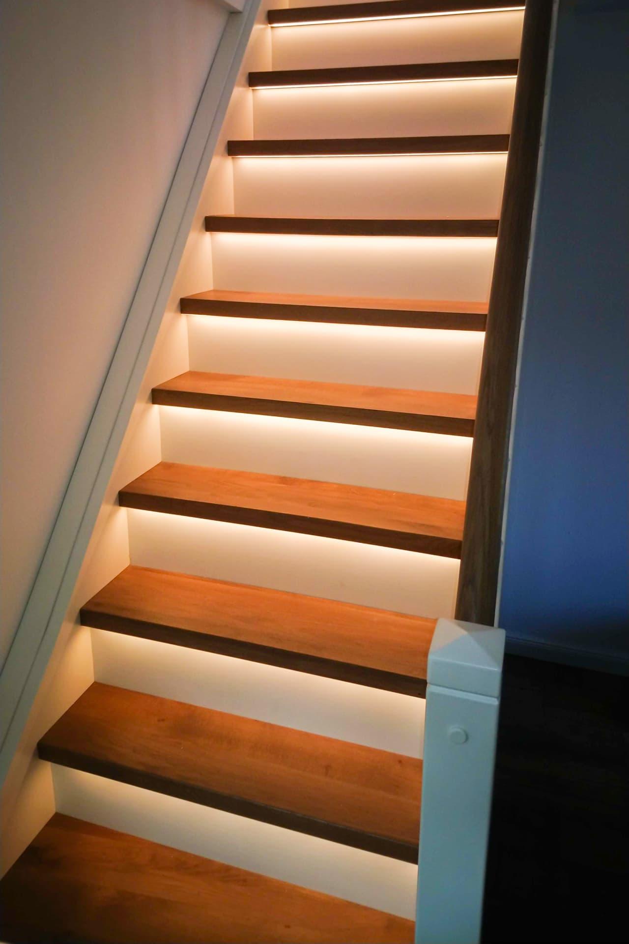Bild: Tischlerei Gebrüder Stamen GbR aus Ense - Treppe-DSC_2313